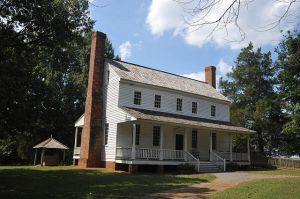 640px-ALSTON_HOUSE,_MOORE_COUNTY